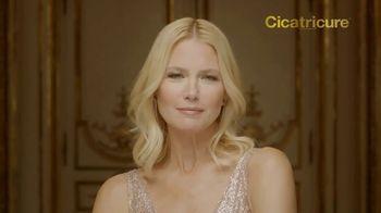 Cicatricure Gold Lift TV Spot, 'Arrugas gravitacionales' con Valeria Mazza [Spanish]