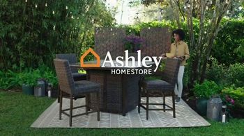 Ashley HomeStore Memorial Day Sale TV Spot, 'Extended: Bed, Fire Pit' - Thumbnail 1