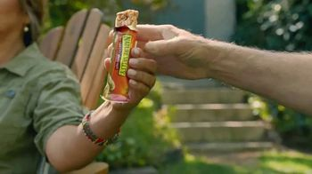 Nature Valley Sweet & Salty Peanut Bars TV Spot, 'Back Country' - Thumbnail 6