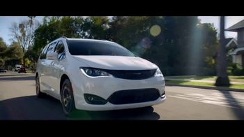 Fiat Chrysler Automobiles Memorial Day Sales Event TV Spot, 'Shifting to Drive' Song by OneRepublic [T2]