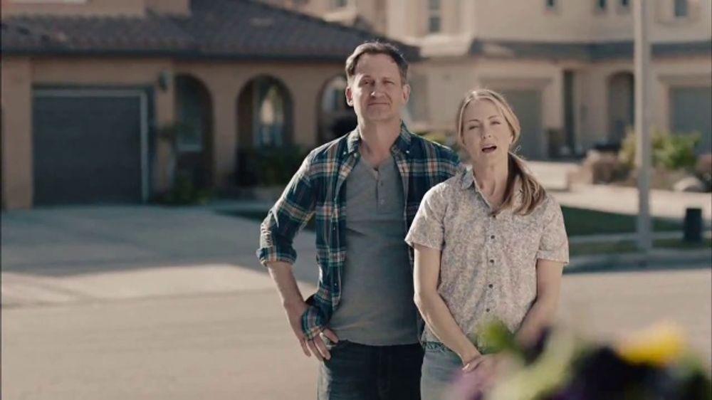 GEICO TV Commercial, 'HOA Cynthia Advises New Neighbors'