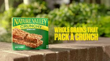 Nature Valley Crunchy  Granola Bars TV Spot, 'Patio Playground' - Thumbnail 10