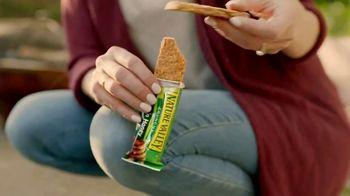 Nature Valley Crunchy  Granola Bars TV Spot, 'Patio Playground' - Thumbnail 8