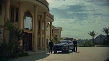 2020 Volkswagen Atlas Cross Sport TV Spot, 'The Celebrity Lifestyle' [T1] - Thumbnail 2