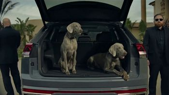 2020 Volkswagen Atlas Cross Sport TV Spot, \'The Celebrity Lifestyle\' [T1]