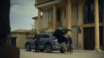 2020 Volkswagen Atlas Cross Sport TV Spot, 'The Celebrity Lifestyle' [T1] - Thumbnail 4