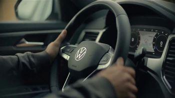2020 Volkswagen Atlas Cross Sport TV Spot, 'The Celebrity Lifestyle' [T1] - Thumbnail 6