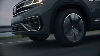 2020 Volkswagen Atlas Cross Sport TV Spot, 'The Celebrity Lifestyle' [T1] - Thumbnail 7