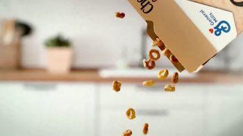Cheerios Oat Crunch TV Spot, 'Introduction' - Thumbnail 3