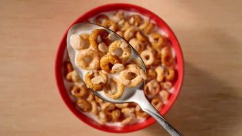 Cheerios Oat Crunch TV Spot, 'Introduction' - Thumbnail 6