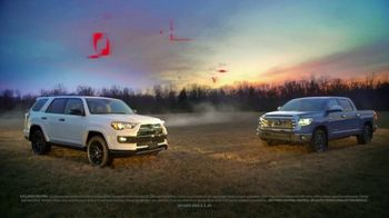 Toyota TV Spot, 'You Look Awfully Good: Country Drive' [T2] - Thumbnail 7