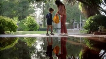 Kleenex TV Spot, 'Happy Tears and First Day Fears' - Thumbnail 2
