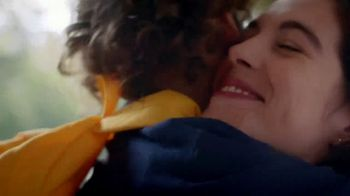 Kleenex TV Spot, 'Happy Tears and First Day Fears' - Thumbnail 8