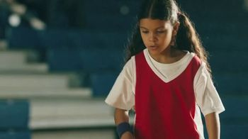 Yoplait TV Spot, '¡Es Yoplaitime!: Dunk' [Spanish] - Thumbnail 4