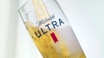 Michelob ULTRA TV Spot, 'El proceso' canción de Steve Aoki y Maluma [Spanish] - Thumbnail 6