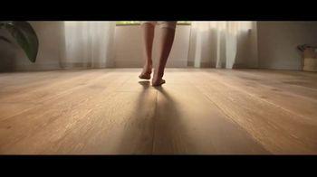 Lumber Liquidators TV Spot, 'Bellawood Distressed Oak Flooring: Safe Installation' - Thumbnail 1