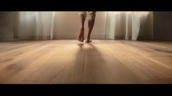 Lumber Liquidators TV Spot, 'Bellawood Distressed Oak Flooring: Safe Installation' - Thumbnail 3