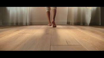 Lumber Liquidators TV Spot, 'Bellawood Distressed Oak Flooring: Safe Installation' - Thumbnail 4