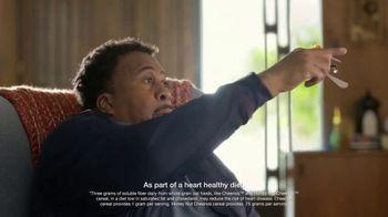 Honey Nut Cheerios TV Spot, 'House Visit' Featuring Leslie David Baker - Thumbnail 4