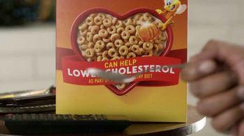 Honey Nut Cheerios TV Spot, 'House Visit' Featuring Leslie David Baker - Thumbnail 5