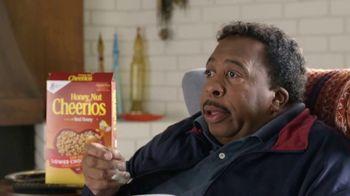 Honey Nut Cheerios TV Spot, 'House Visit' Featuring Leslie David Baker - Thumbnail 6
