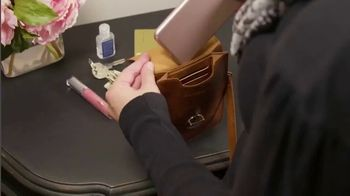 Touch Screen Purse TV Spot, 'Double Offer $19.99' Featuring Lori Greiner - Thumbnail 5