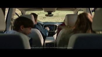 GMC Sign & Drive TV Spot, 'Weekend Starts Now' Song by Sugar Chile Robinson [T2] - Thumbnail 4