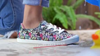 Bobs From SKECHERS TV Spot, 'Raise Your Paws' - Thumbnail 7