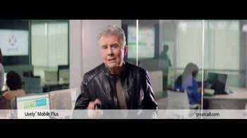 GreatCall Lively Mobile Plus TV Spot, 'Father's Day: My Mom' Featuring John Walsh - Thumbnail 8