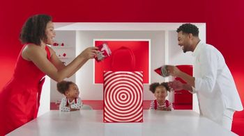 Target TV Spot, 'Same Day Delivery: Entrega sin contacto' canción de Carlos Vives [Spanish] - Thumbnail 3