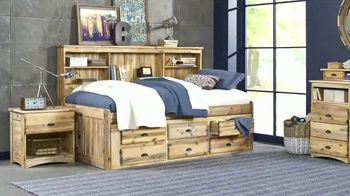 Rooms to Go Kids July 4th Hot Buys TV Spot, 'Twin Bookcase Wall Bed' - Thumbnail 4