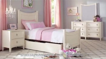 Rooms to Go Kids July 4th Hot Buys TV Spot, 'Beautiful Twin Bedroom Set: $777' - Thumbnail 2