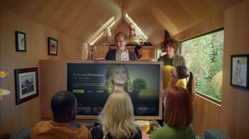 XFINITY X1 TV Spot, 'Peacock TV: Tiny Home: $54.99' Featuring Amy Poehler - Thumbnail 6
