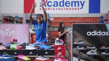 Academy Sports + Outdoors TV Spot, 'Gear Up: Nike Shoes, Backpacks and Apparel' Feat. Marty Smith - Thumbnail 5