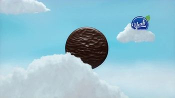 Rolos and York Peppermint Patties TV Spot, 'How You Rolo and York Mode' - Thumbnail 8