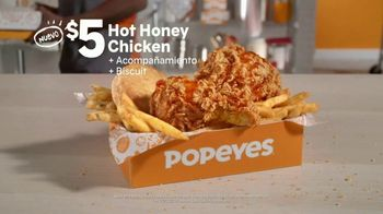 Popeyes $5 Hot Honey Chicken TV Spot, 'La textura' [Spanish] - Thumbnail 7