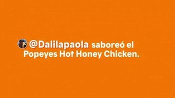 Popeyes $5 Hot Honey Chicken TV Spot, 'La textura' [Spanish] - Thumbnail 1