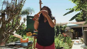Popeyes $5 Hot Honey Chicken TV Spot, 'La textura' [Spanish] - Thumbnail 2