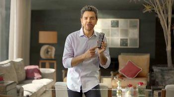 DishLATINO TV Spot, 'Precio fijo garantizado' con Eugenio Derbez, canción de Maná [Spanish] - Thumbnail 5