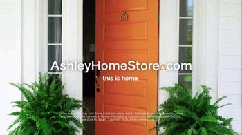 Ashley HomeStore Mattress Month TV Spot, '0% Interest' - Thumbnail 10