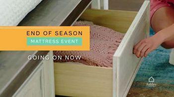 Ashley HomeStore End of Season Mattress Event TV Spot, 'Tempur-Pedic' - Thumbnail 2
