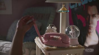 Quilted Northern TV Spot, 'Little Comforts: Bedroom' - Thumbnail 4