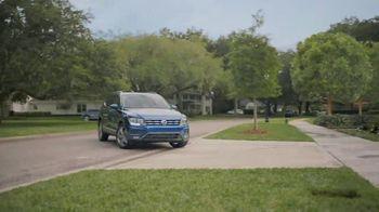 Volkswagen TV Spot, 'Community-Driven Promise: A New Day: Tiguan' [T2] - Thumbnail 3