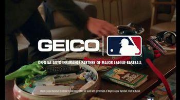 GEICO TV Spot, 'At Home Third Base Coach' - Thumbnail 10