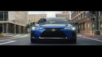 2019 Lexus UX TV Spot, 'One of a Kind' [T1] - Thumbnail 4