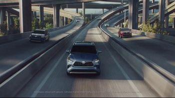 2020 Toyota Highlander TV Spot, 'Home Team' Featuring James Robinson [T2] - Thumbnail 1
