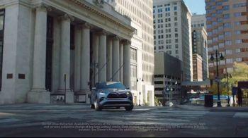 2020 Toyota Highlander TV Spot, 'Home Team' Featuring James Robinson [T2] - Thumbnail 4