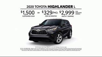 2020 Toyota Highlander TV Spot, 'Home Team' Featuring James Robinson [T2] - Thumbnail 8