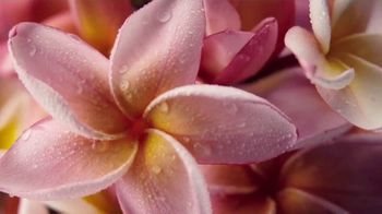 Glade Tropical Blossoms TV Spot, 'Ignite Your Mood' - Thumbnail 2