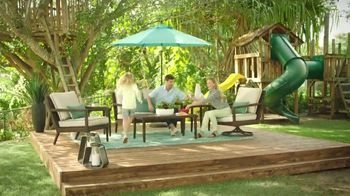 Rooms to Go Patio TV Spot, 'Go All Out' - Thumbnail 6